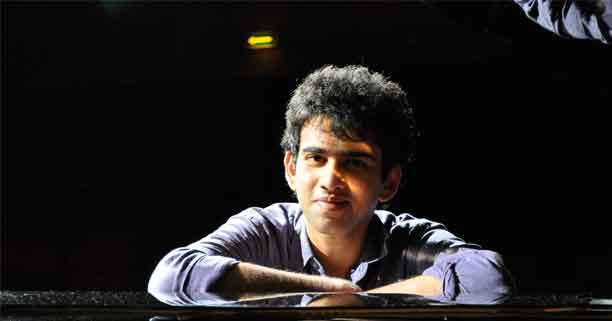 Utsav-Lal-at-the-piano