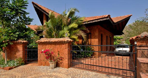 The green architecture of dean d cruz for Architecture design for home in goa