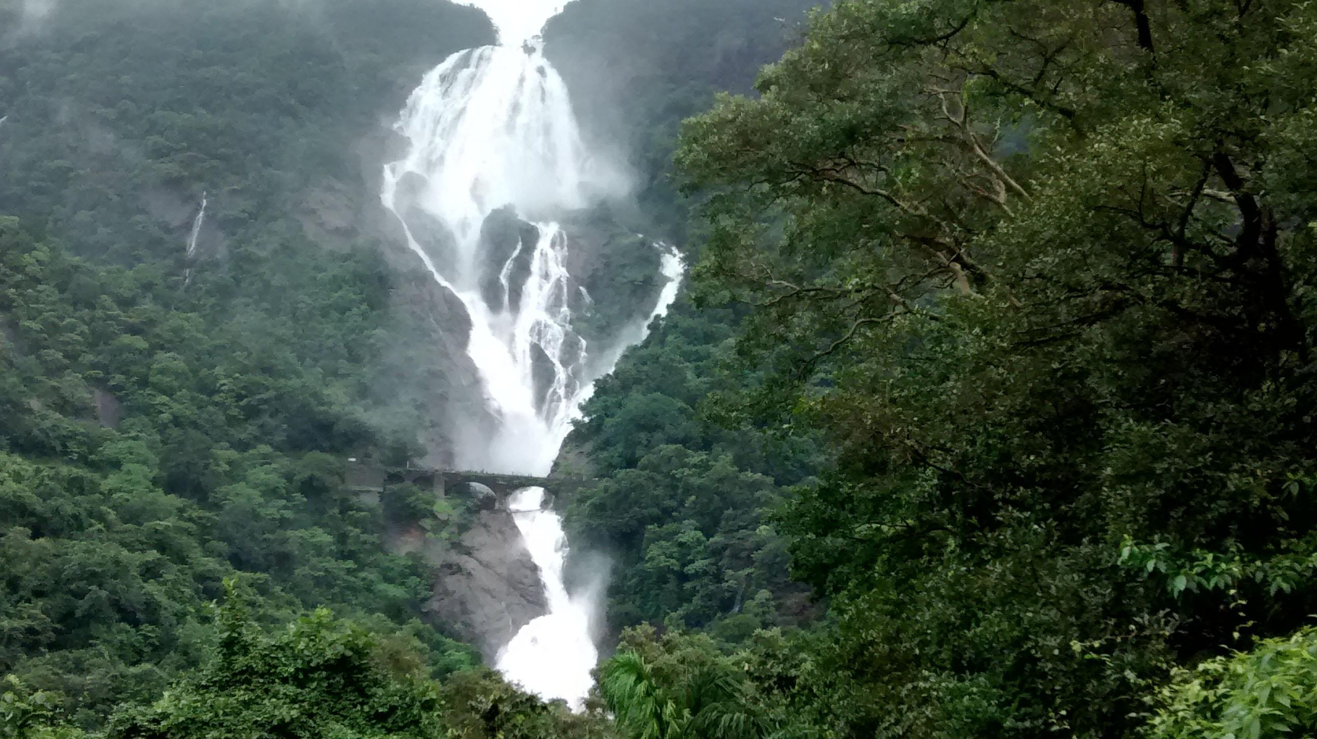distance-view-to-dudhsagar-falls copy
