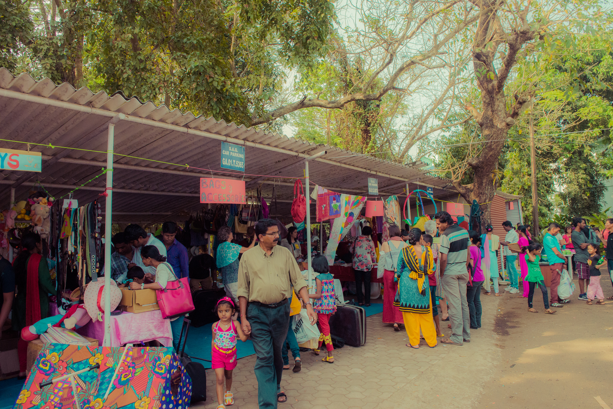 Nijugrapher-Bookworm_Jumble_Sale_2015-9-Nijugrapher-Bookworm-Panjim_Jumble_2015 - 42 - DSC_5495